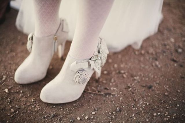 awesome-winter-wedding-shoes-and-boots-youll-love-10